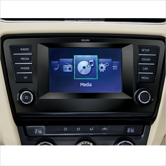SKODA audio player with touchscreen controls